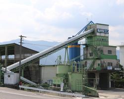 粕川生コン工場
